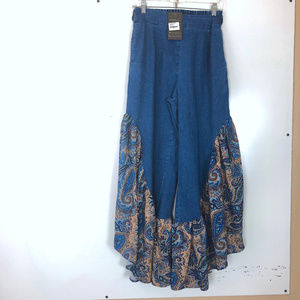 NWT Reborn Collection Boho Paisley Flare Jeans | M